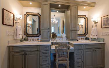 100-Glenview-Place-910-Naples-print-011-master-bath-vanity-4200x2804-300dpi