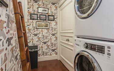 100-Glenview-Place-910-Naples-print-017-laundry-2804x4200-300dpi