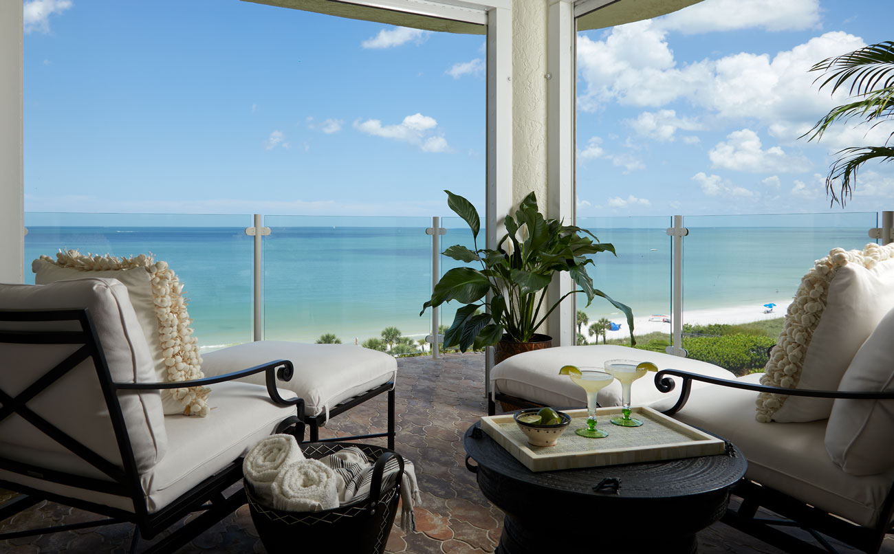 Lykos residential remodel - View from balcony to the ocean