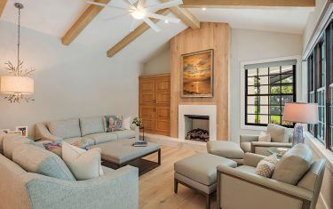Lykos residential remodel - Living room with firepit